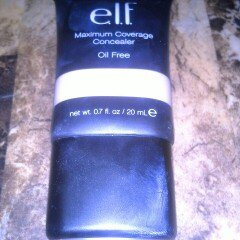 Photo of e.l.f. Studio Maximum Coverage Concealer - Oil Free uploaded by ali w.