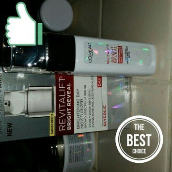 L'Oréal Paris Revitalift Bright Reveal SPF 30 Moisturizer uploaded by Michelle T.