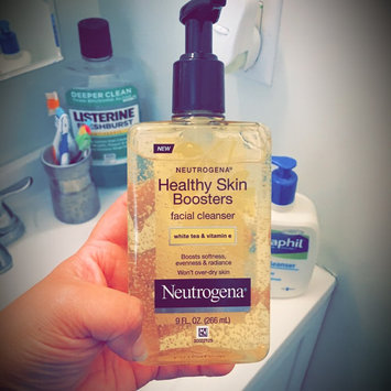 Photo of Neutrogena® Healthy Skin Boosters Facial Cleanser uploaded by Vanessa S.