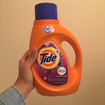 Photo of Tide Plus Febreze Freshness Liquid Laundry Detergent uploaded by Reira W.