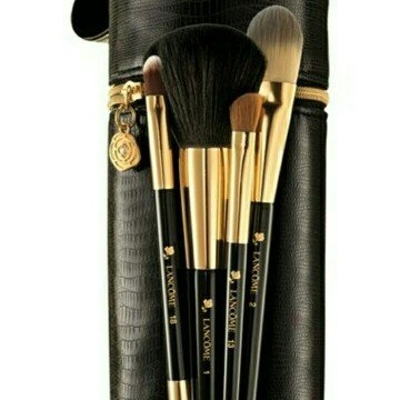 Lancôme Limited Edition Brush Holiday 2015 Set ($150 Value) uploaded by Allondra H.