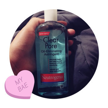 Neutrogena Clear Pore Oil-Controlling Astringent uploaded by Crystal J.