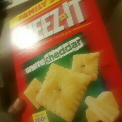 Photo of Cheez-It® Sunshine Baked Snack Crackers White Cheddar uploaded by Keona D.