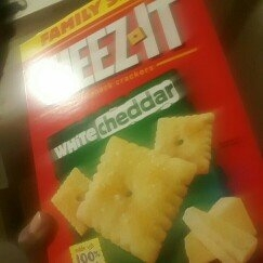 Sunshine Cheez-It Baked Snack Crackers White Cheddar uploaded by Keona D.