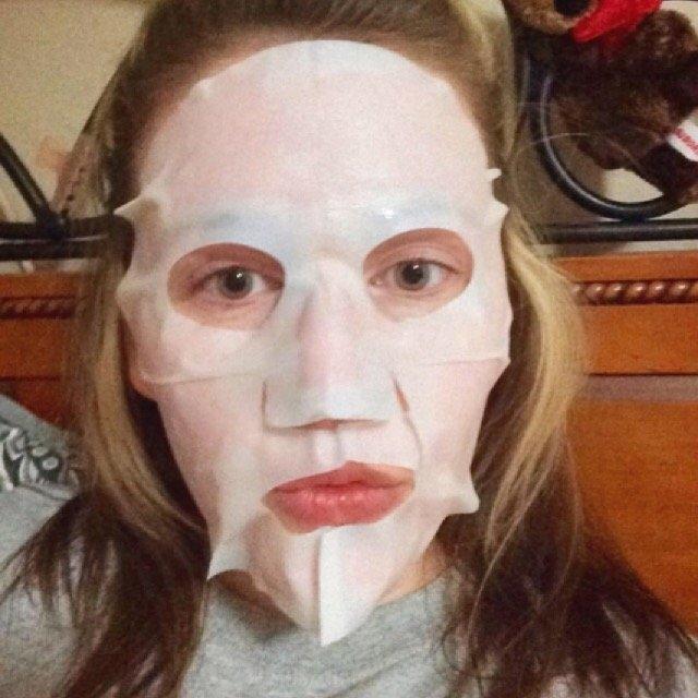 Leaders 7 Wonders Himalayan Camellia Pore Minimizing Sheet Mask uploaded by Lyndsey B.