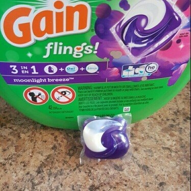Gain Flings! Moonlight Breeze Laundry Detergent Pacs uploaded by Aimee M.