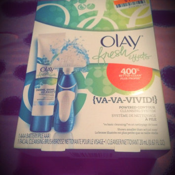 Photo of Olay Fresh Effects Va-Va-Vivid Powered Contour Cleansing System uploaded by Carrie l.