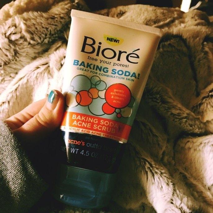Biore® Baking Soda Acne Scrub uploaded by Isabell B.
