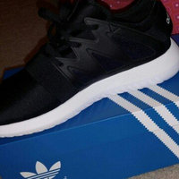 Women's Adidas Tubular Viral Sneaker, Size 7.5 M - Black uploaded by Jessica M.
