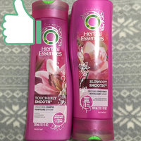 Herbal Essences Touchably Smooth Smoothing Shampoo uploaded by Elaine A.
