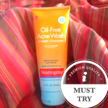 Photo of Neutrogena® Oil-Free Acne Wash Cream Cleanser uploaded by Nicole C.
