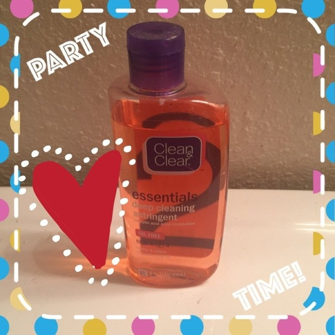 Clean & Clear Essentials Deep Cleaning Astringent uploaded by Alexandria M.