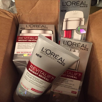 L'Oréal Paris Revitalift Bright Reveal SPF 30 Moisturizer uploaded by Dawn W.