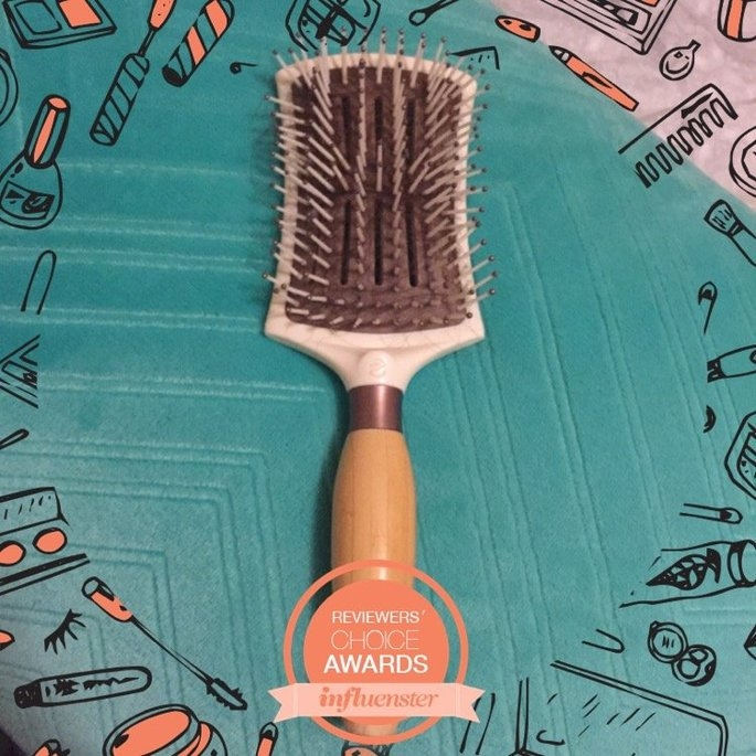 EcoTools Smoothing Detangler Hair Brush uploaded by joy a.