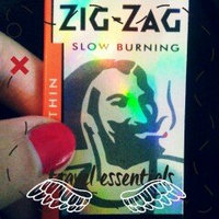 Zig Zag White Cut Corners Cigarette Rolling Papers (24 Booklets Retailers Box) uploaded by Simona C.