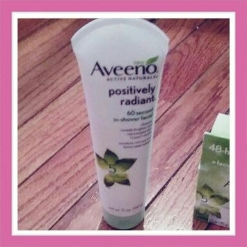 Aveeno Positively Radiant 60 Second In-Shower Facial Cleanser uploaded by Jenny D.