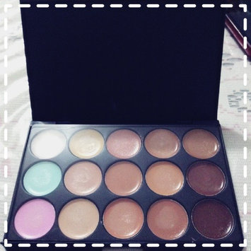 Photo of Coastal Scents Eclipse Concealer Palette uploaded by María G.