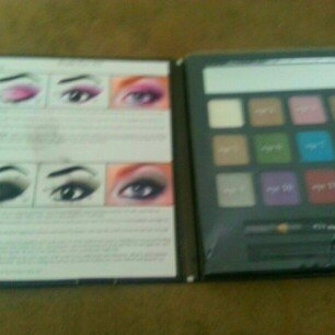 e.l.f. Cosmetics Beauty Eye Manual Everyday Eye Edition uploaded by Kimberly H.