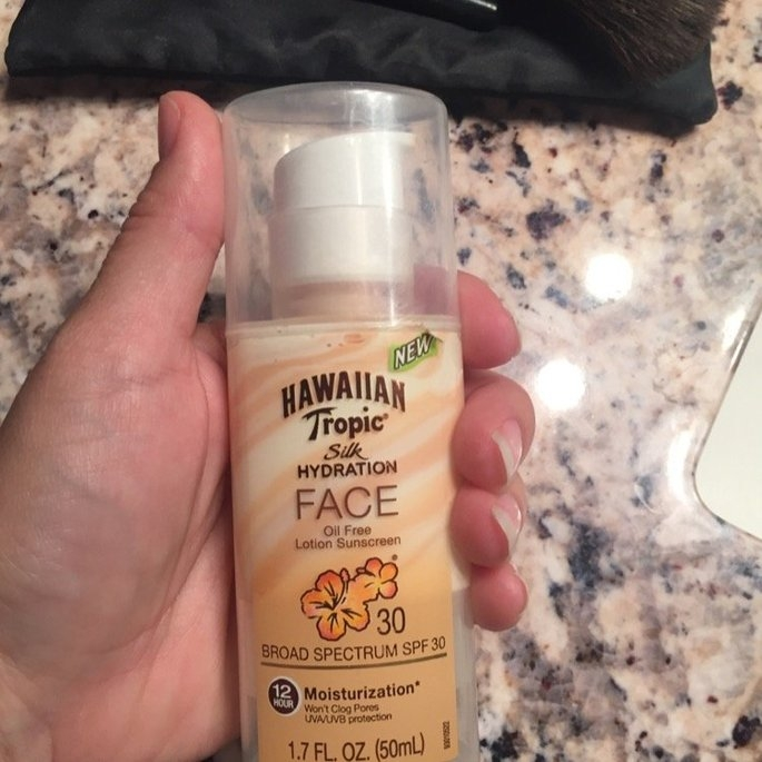 Hawaiian Tropic Silk Hydration Sunscreen Face Lotion with SPF 30 - 1. uploaded by Bridget W.