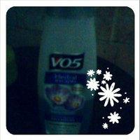 Alberto VO5® Herbal Escapes Moisturizing Shampoo Free Me Freesia uploaded by edyliana S.