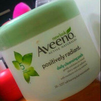 Aveeno Positively Radiant Cleansing Pads uploaded by Nansy N.