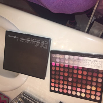 Photo of BH Cosmetics Urban Luxe - 99 Color Eyeshadow Palette uploaded by Amaya A.