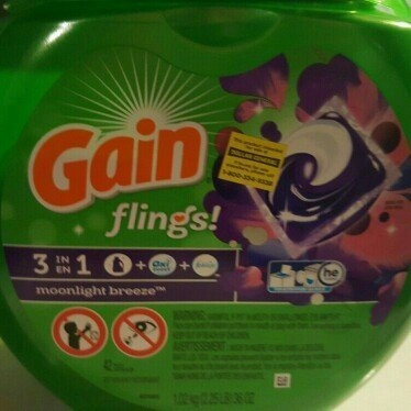 Gain Flings! Moonlight Breeze Laundry Detergent Pacs uploaded by Julie M.