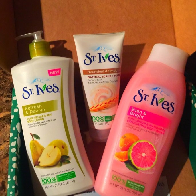 St. Ives Body Wash, Even & Bright Pink Lemon & Mandarin Orange, 24 fl oz uploaded by Ayeisha  H.