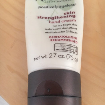 Photo of Aveeno Active Naturals Positively Ageless Skin Strengthening Hand Cream uploaded by Gabriella C.