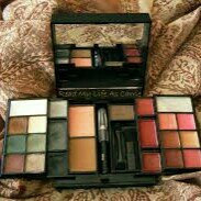 Photo of e.l.f. Mini Makeup Collection uploaded by member-605c7de44
