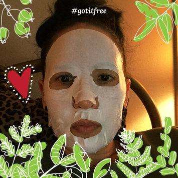 Photo of Sally's Box Secret Garden Face Mask Olive Oil Ampoule Mask uploaded by Susan P.