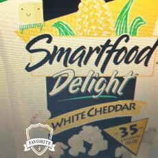Photo of Smartfood® Delight® White Cheddar Cheese Popcorn uploaded by Mo Mommy Mo ..