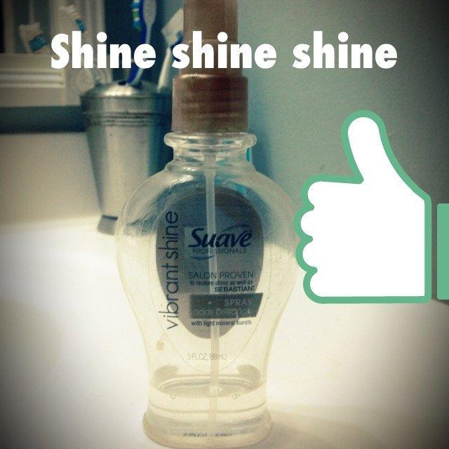 Suave Professionals Vibrant Shine Spray