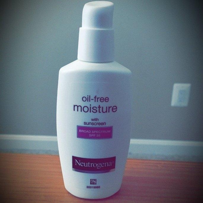 Neutrogena Oil-Free Moisture Facial Moisturizer SPF 35 uploaded by Suzane C.