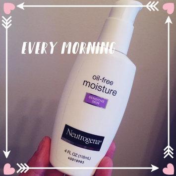 Photo of Neutrogena® Oil-Free Ultra-gentle Sensitive Skin Moisturizer uploaded by Tabbatha H.
