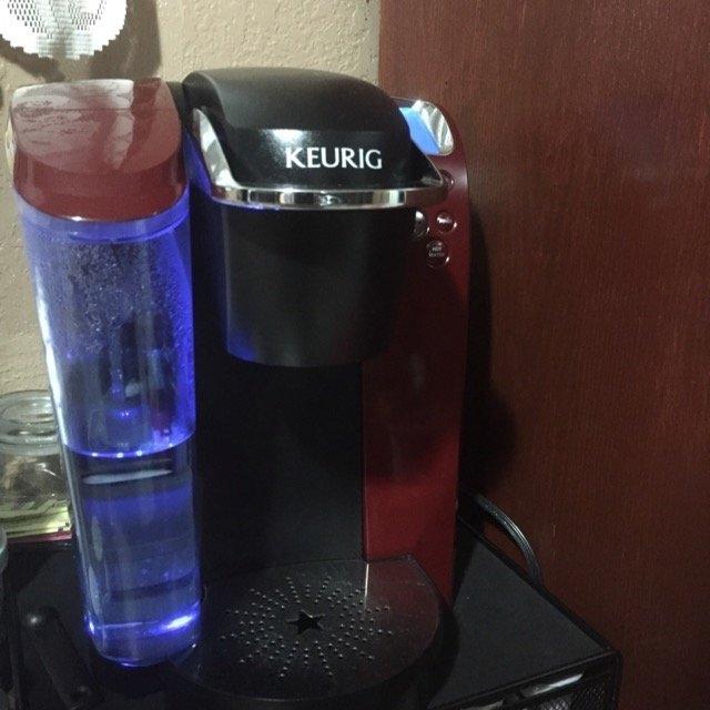 Keurig - 2.0 K550 4-cup Coffeemaker - Black/dark Gray uploaded by Eva T.