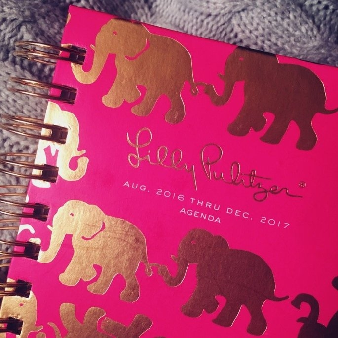 Lilly Pulitzer Tusk in the Sun 17 Month Spiral Pocket Agenda uploaded by Frances M.