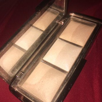 Hourglass Ambient Lighting Palette uploaded by Pahssie H.