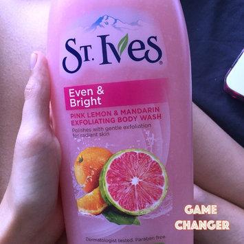 St. Ives Body Wash, Even & Bright Pink Lemon & Mandarin Orange, 24 fl oz uploaded by Paola M.