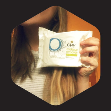 Photo of Olay Make-Up Remover Wet Cloths uploaded by Miranda N.