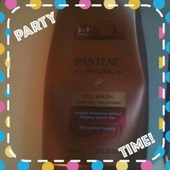 Photo of Pantene Pro-V Truly Natural Co-Wash Cleansing Conditioner uploaded by Mia M.