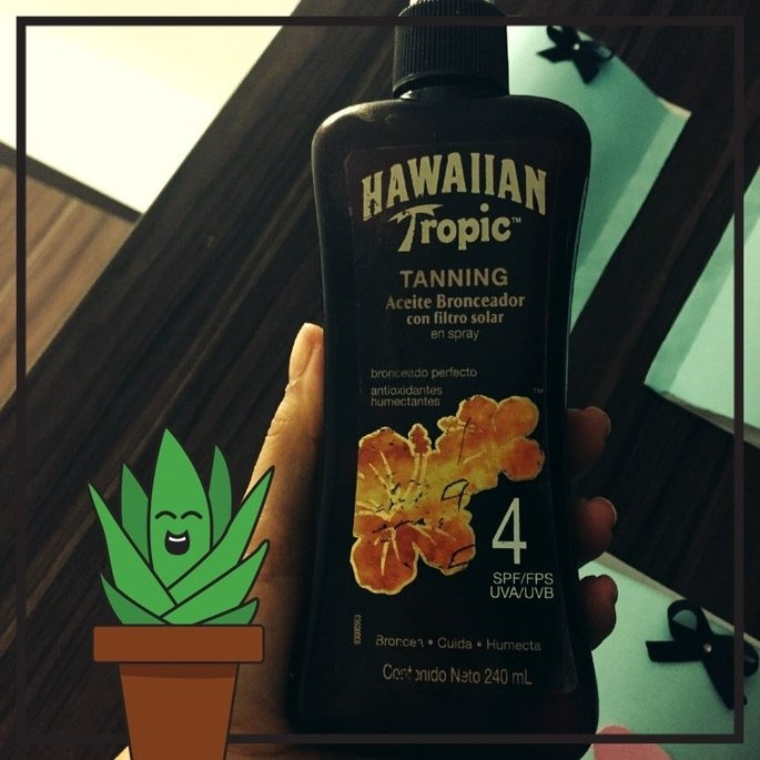 Hawaiian Tropic Protective Dry Oil Sunscreen uploaded by Diana O.