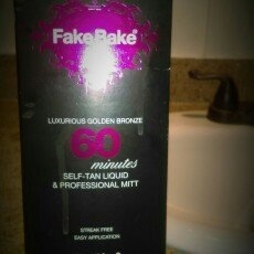 Fake Bake 60 Minute Tan (236ml) uploaded by Cecilia m.
