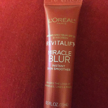 Photo of Revitalift L'Oréal Paris Miracle Blur Oil Free Instant Skin Smoother uploaded by Nathalia R.