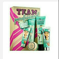 Benefit Cosmetics Team Porefessional uploaded by Deb H.