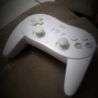 Nintendo Wii Classic Controller uploaded by Anabel M.