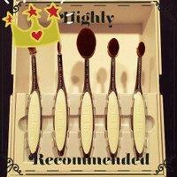 Artis Elite Mirror White Velvet Brush Set uploaded by Maria D.