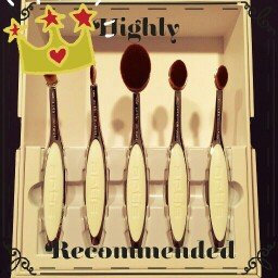 Artis Elite Mirror White Velvet Brush Set uploaded by Maria D.