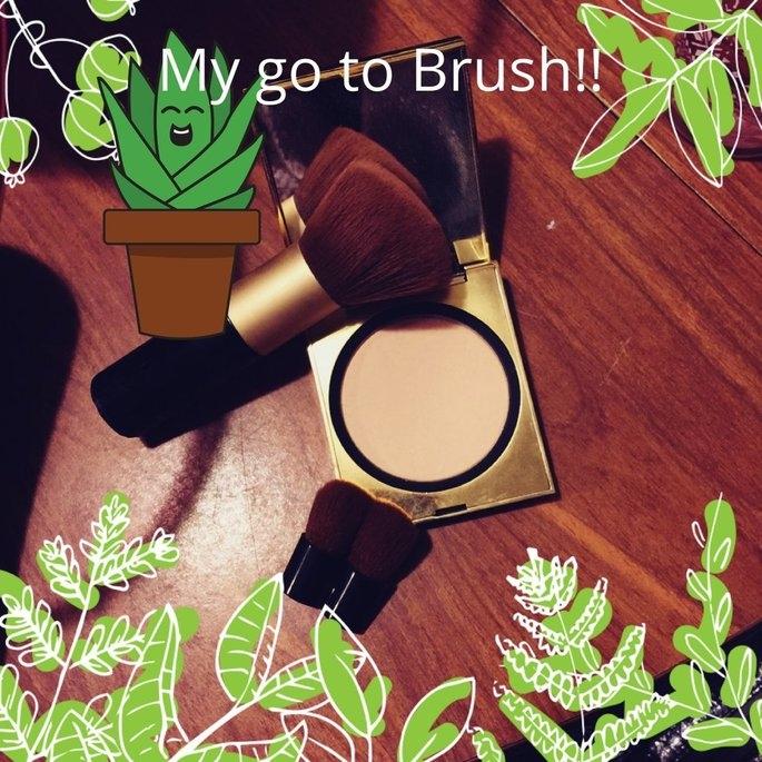 Elizabeth Arden Face Powder Brush with Folding Mini Face Brush uploaded by Jamie E.