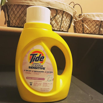 Tide Simply Clean and Sensitive Laundry Detergent, Cool Cotton Scent, 40 fl oz, 19 Loads uploaded by Cynthia S.